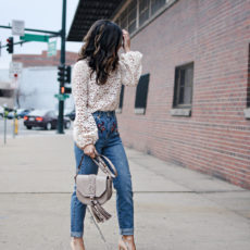 5 TIPS ON HOW TO WEAR MOM JEANS